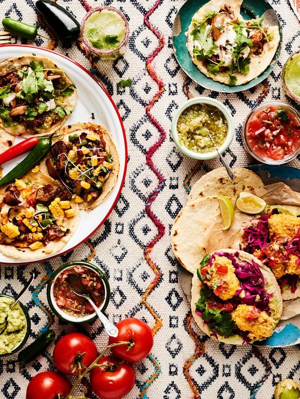 Kasvista, kalaa vai broileria? Löydät jutusta kolme vaihtoehtoa tacojen täytteeksi.