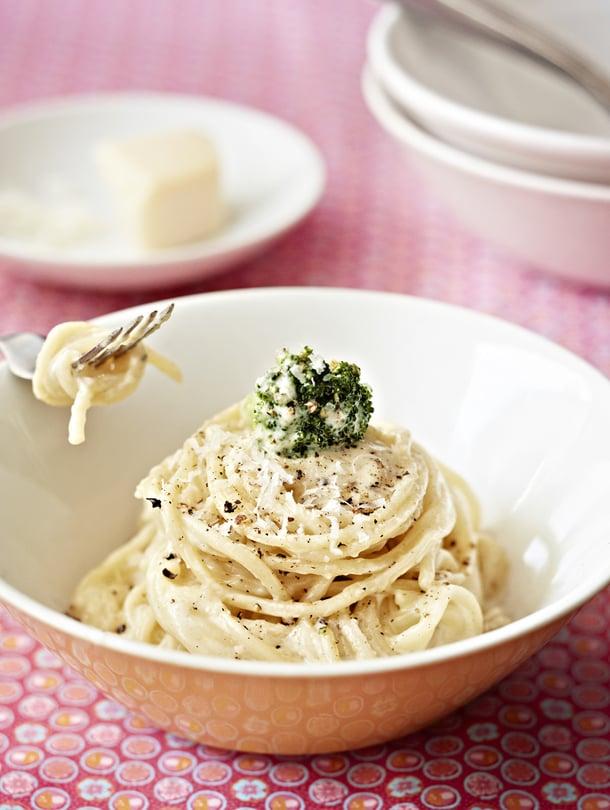 """Juustopastan teet juustonkanteista hetkessä. Kuva: <span class=""""photographer"""">Reetta Pasanen</span>"""