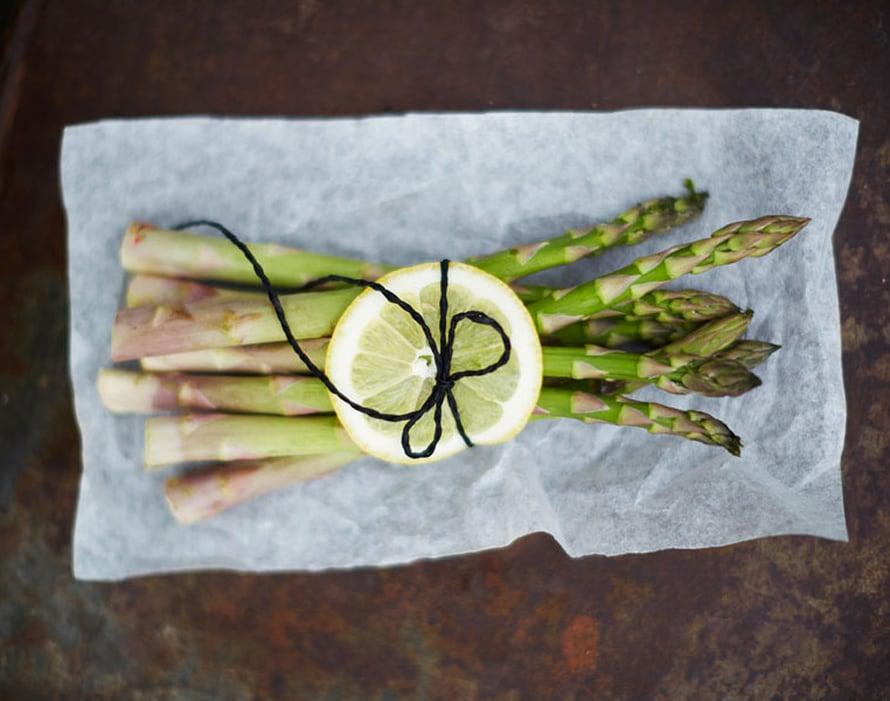 """Tartu rohkeasti parsaan ja dippaa. Kuva: <span class=""""photographer"""">Anna Huovinen</span>"""
