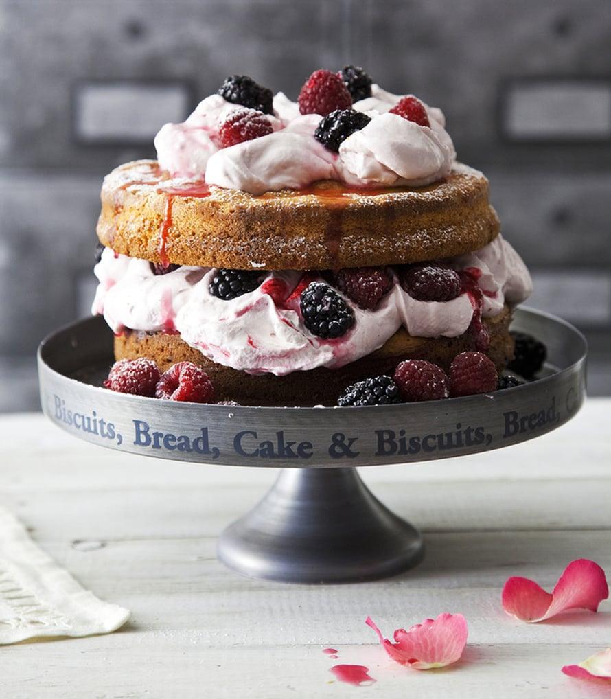 """Nakukakku paljastaa kakkupohjan koko komeudessaan. Kuva: <span class=""""photographer"""">Arto Vuohelainen</span>"""