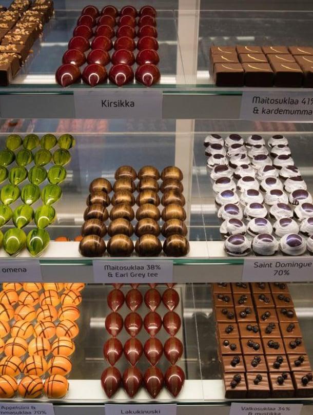 Xocolabin vitriinissä riittää valinnanvaraa makean ystävälle.
