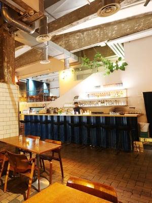 Kehuttu keittiömestari Pauli Novitsky uudisti Tislaamo-ravintolan ruokalistan ja toi tarjolle Yhdysvaltain etelävaltioiden herkkuja.
