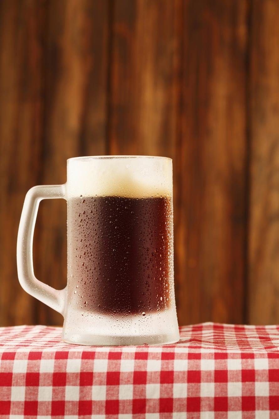 """Tumma olut on loppuvuoden juttu. Kuva: <span class=""""photographer"""">iStock</span>"""