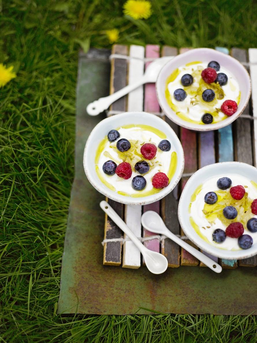 """Juusto tekee jogurtista täyteläistä. Kuva: <span class=""""photographer"""">Sami Repo.</span>"""