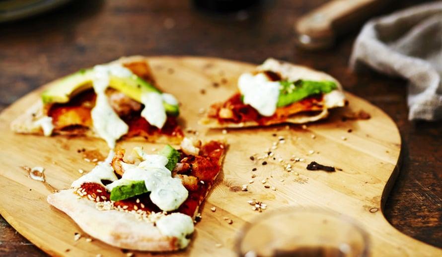 """Parhaat pizzat kautta aikain! California roll on jännin. Kuva: <span class=""""photographer"""">Tuomas Kolehmainen</span>"""