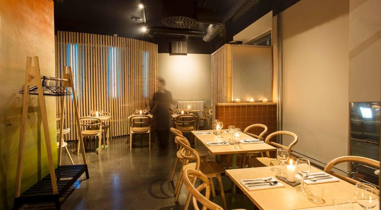 Ravintola Villd on pop up -ravintolakokeiluillaan ruokapiireissä paljon puhetta herätelleen Ossi Palonevan hanke.