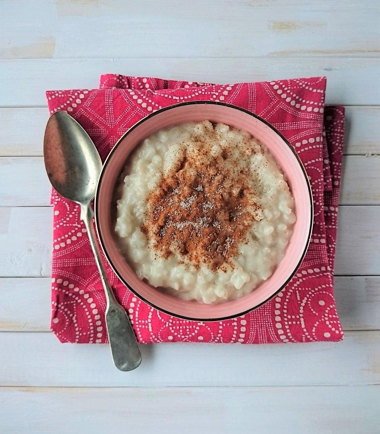 Herkullista riisipuuroa maitelimaitoon valmistettuna