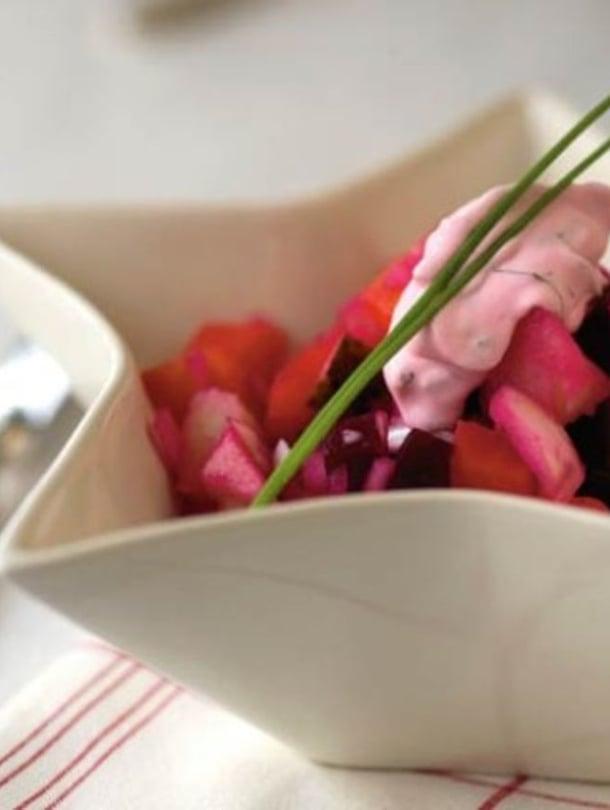 Rosolli on joulupöydän itseoikeutettu salaatti. Kuva Pia Inberg